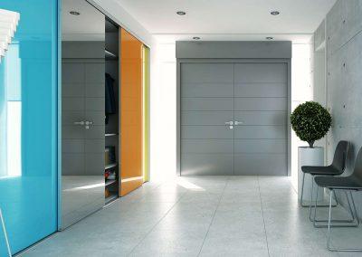 4 ajtós előszobai beépített szekrény festett üveggel és tükörrel