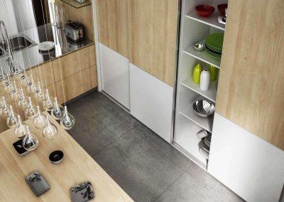 Tolóajtós beépített szekrény konyhába