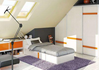 Osztott tolóajtós tetőtéri beépített szekrény