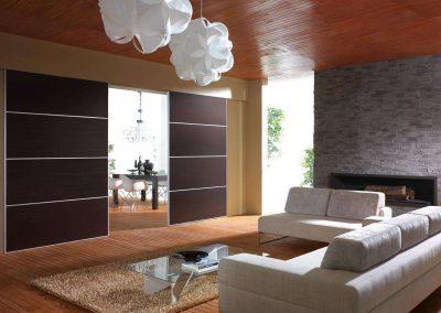 Térelválasztó tolóajtó a nappali és dolgozó szoba között