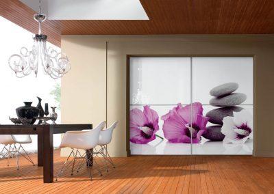 Térelválasztó tolóajtó virág mintás fotófóliával