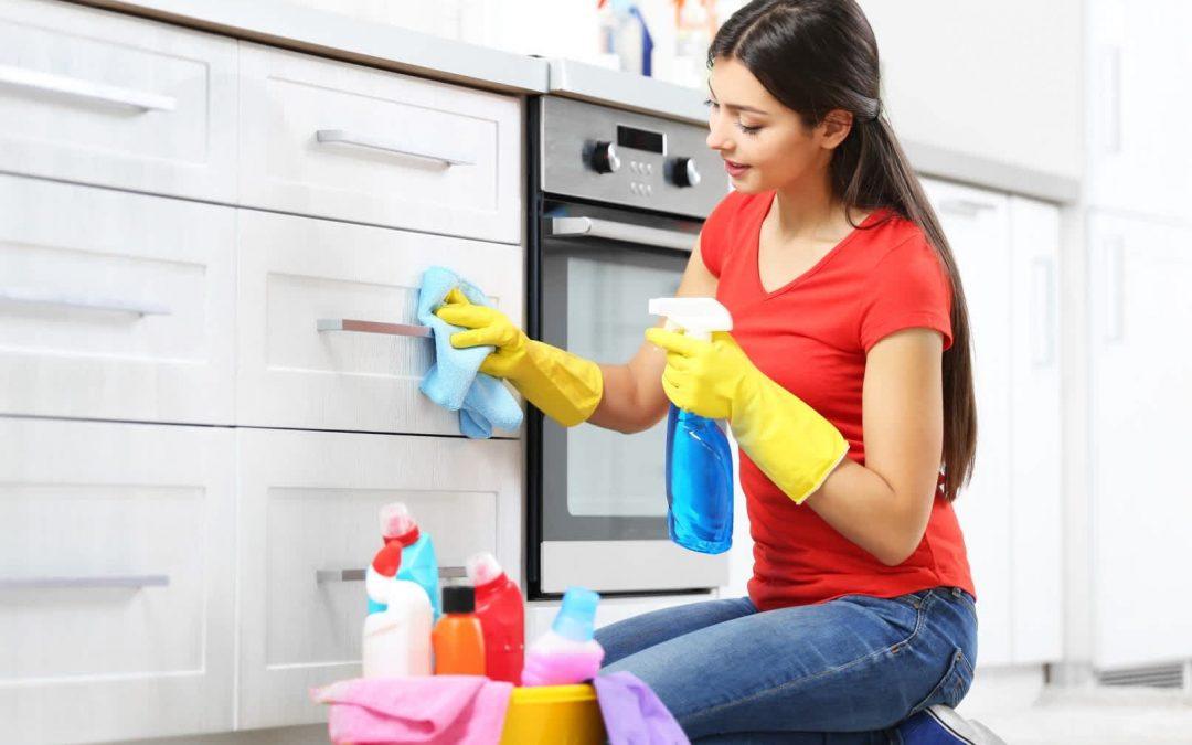 Hogyan kell gondoskodni a szekrény és a bútor tisztaságáról?