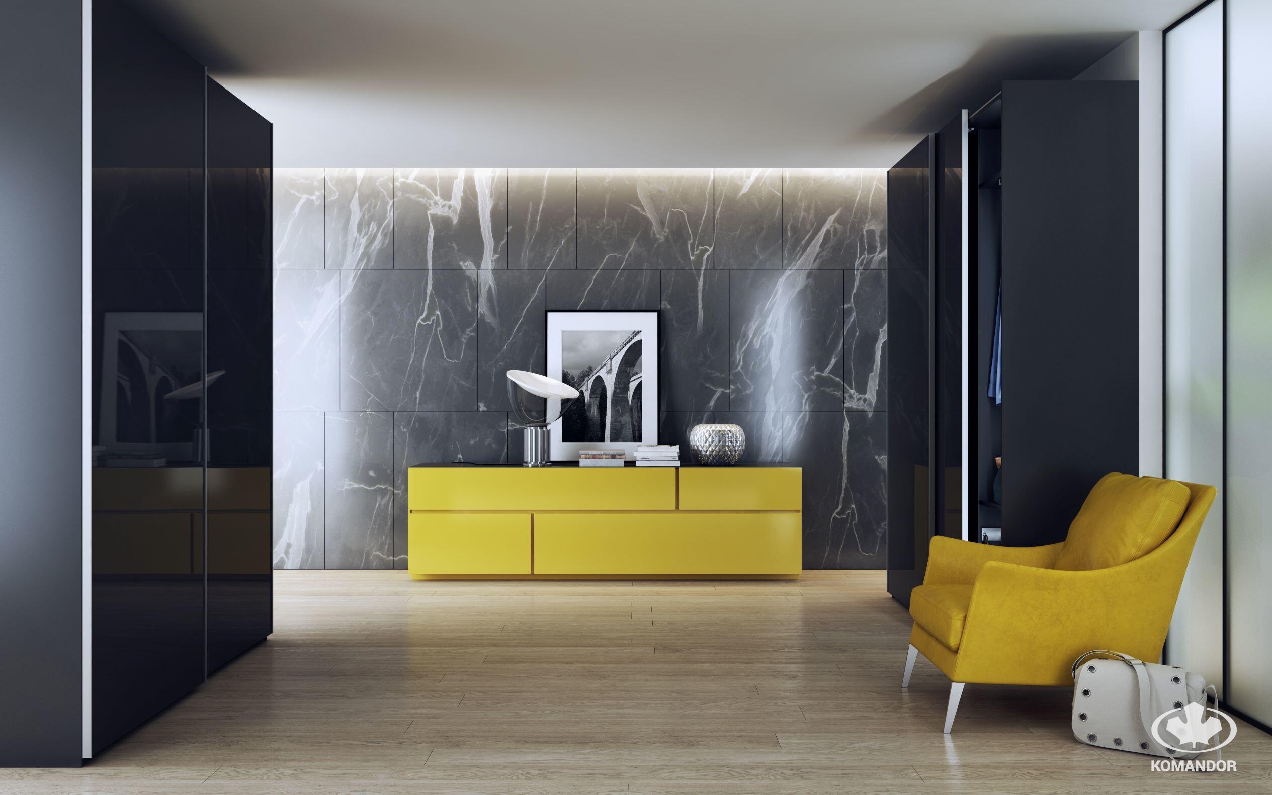 A sárga komód remekül fog kinézni egy szürke kőfalon a folyosón
